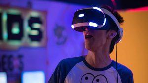 kambeckfilm mann mit VR Brille