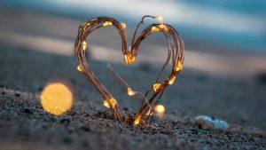 kambeckfilm_kunden LED Herz im Sand am Strand